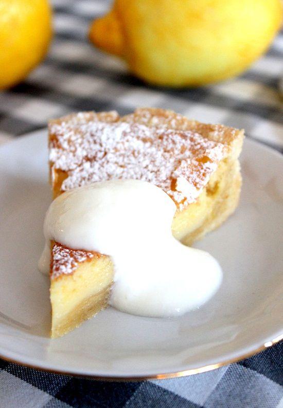 Wicked sweet kitchen: Raikas sitruunapiirakka jogurttikastikkeella - Lemon pie with yoghurt