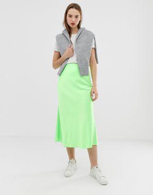 5bcfda2c7e DESIGN bias cut satin slip midi skirt in neon in 2019 | WEAR | Midi skirt  outfit, Satin midi skirt, Satin slip