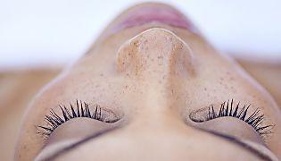 Schöne Haut: 7 Tricks, die eure Haut sofort reiner machen. Das Beste: Sie kosten nichts!