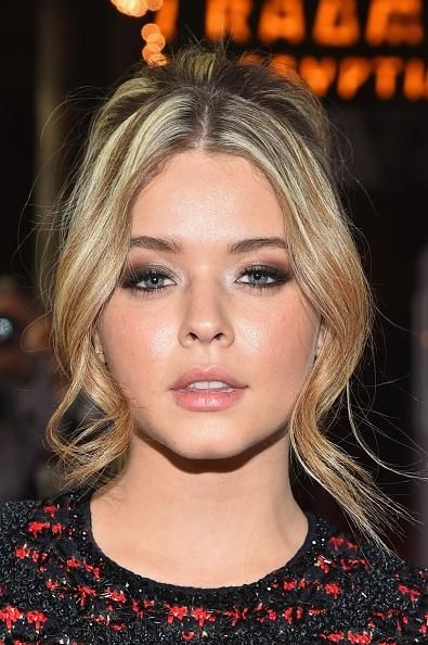 Pretty Little Liars Sasha Pieterse Dedicates Instagram Photos To Older Boyfriend Hudson Sheaffer - http://imkpop.com/pretty-little-liars-sasha-pieterse-dedicates-instagram-photos-to-older-boyfriend-hudson-sheaffer/