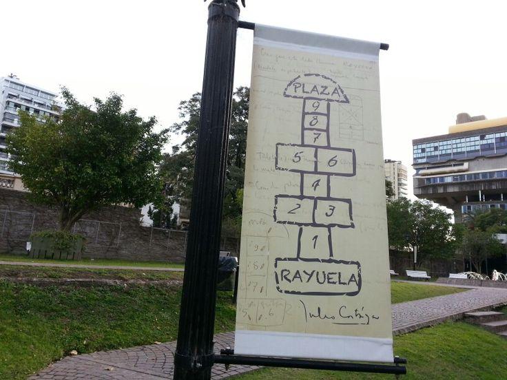 Biblioteca Nacional Argentina. Plaza Rayuela.  En homenaje a los 50 años de la primera publicación de Rayuela, novela del escritor argentino Julio Cortázar, se reemplaza el nombre de Plaza del Lector por el de Rayuela - 2013