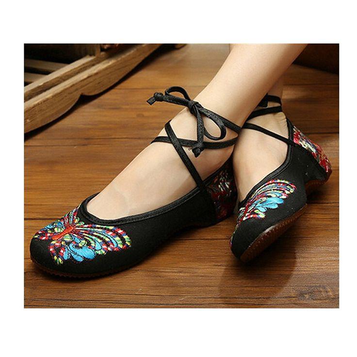 CLARA Shoe