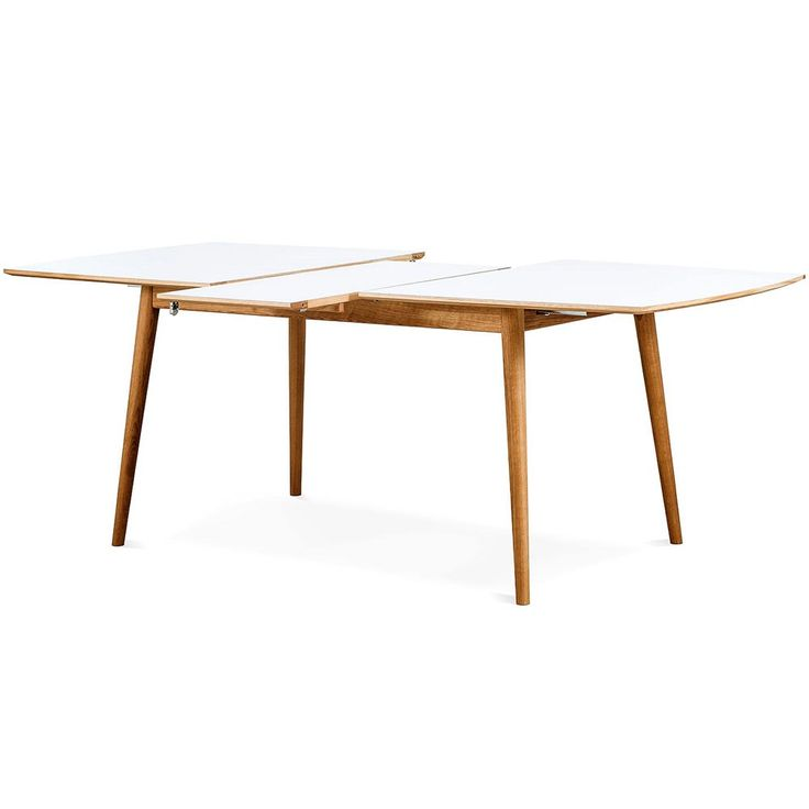 Ubbe matbord i vitt nanolaminat/ oljad ek från Vittsjö Möbelfabrik. En läckert svensktillverkat matbord med smäckert formspråk!