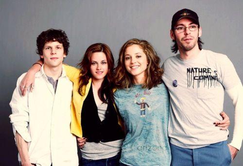 Adventureland cast