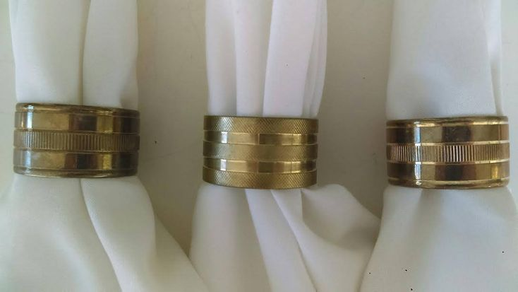 Brass Napkin Rings, FREE SHIPPING, Set of 8 Napkin Holders, Made in Hong Kong, Boho Kitchen, Midcentury, Bridal Party, Dinner Party, Gift by Nostalgicfinds2 on Etsy
