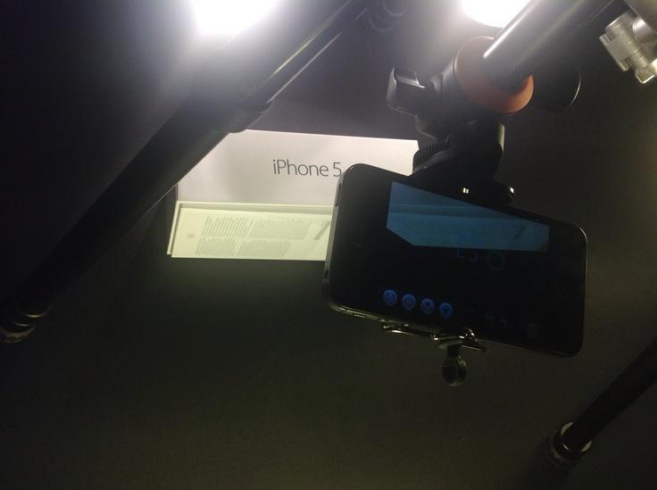 Mein neuer iPhone-Tripod im Einsatz: Szene iPhone 5 Unboxing