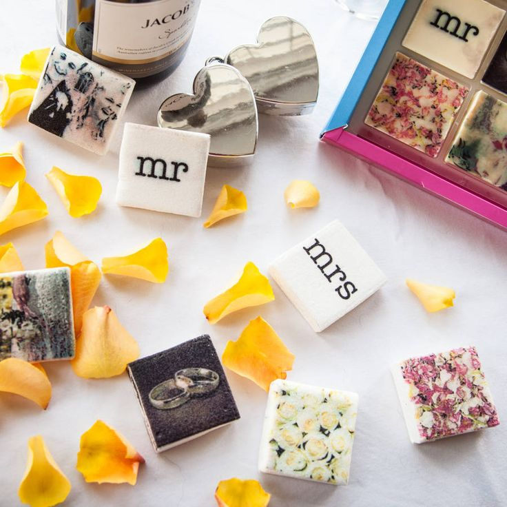 Treat and thank your special guests on your special day with a truly unique edible wedding table favour.
