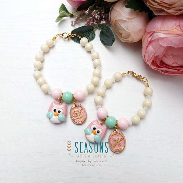 #momdaughter #handmadebracelet  #owlclay #owlcharm #pastelcolor #handmadeaccessories #handmadeclay…