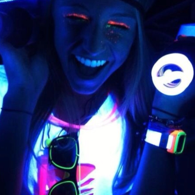 37 best BLACKLIGHT PARTY images on Pinterest | Blacklight party ...
