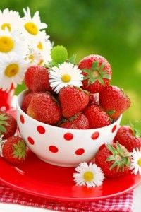Strawberry Health Benefits: Super Fruit for Circulatory Health and More
