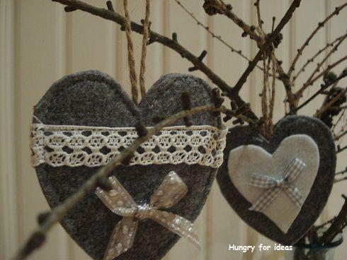 Hearts made of felt