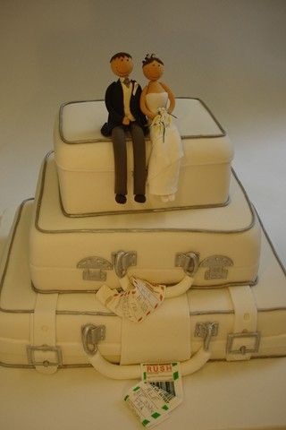 Make your own wedding cake at Cakes 4 Fun (BridesMagazine.co.uk)