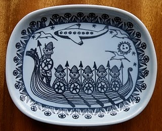 Ceramic dish by Kari Nyquist for Stavangerflint of Norway #ceramic #dish #Kari_Nyquist #Stavangerflint #Norway