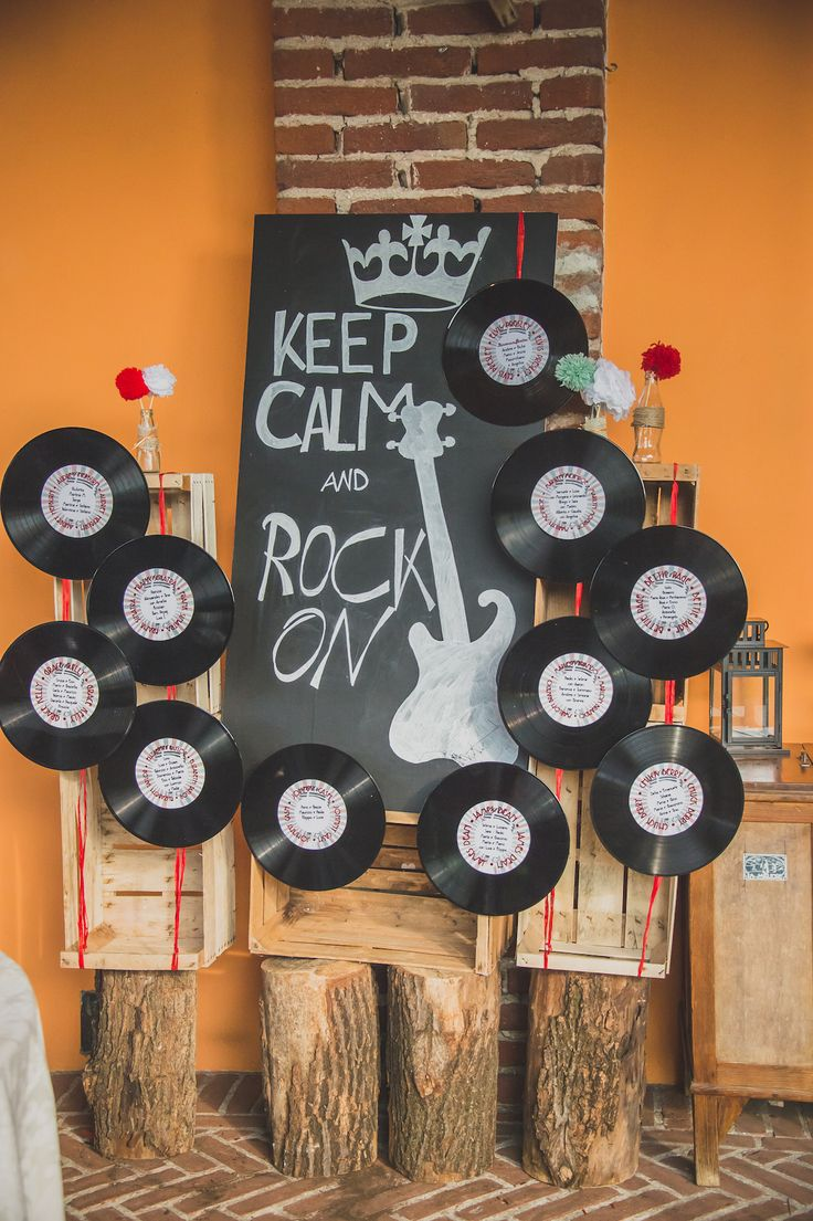 50s inspired seating chart with vinyls
