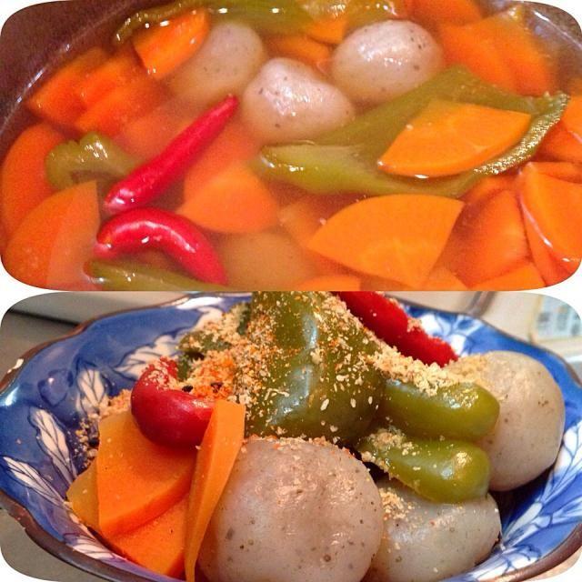 あごと昆布でダシをとって、  今日のお野菜はにんじんとピーマン。 塩麹漬けのこんにゃくがうまま(^o^)❤︎  にんにく、赤唐辛子も入れて酢じょうゆ煮に❤︎  仕上げに白すり胡麻、七味唐辛子をふりかけました♪♪♪   クセがあるエスニック料理が大好きで、最近食べすぎてしまったから、煮物がやさしい❤︎ - 6件のもぐもぐ - おうちにあるお野菜&塩麹漬けこんにゃくのにんにく酢じょうゆ煮♡♡♡ by emiko hayashi