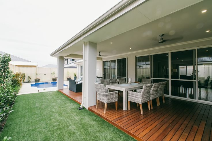 Outdoor colours - vitesse main render and decking.