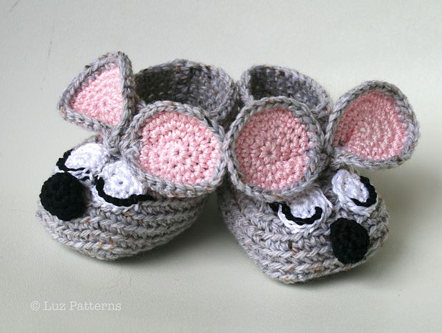 Ravelry: Crochet baby booties pattern, sleepy mouse booties pattern pattern by Luz Mendoza