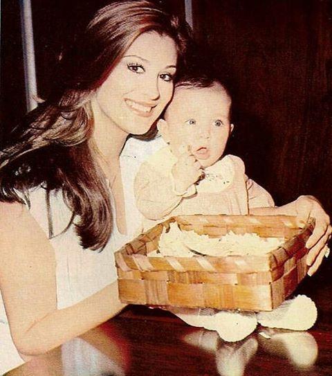 Gülşen Bubikoğlu kızı Zeynep ile (1978) oh #gulsenbubikoglu #yesilcamsokagi  oh…