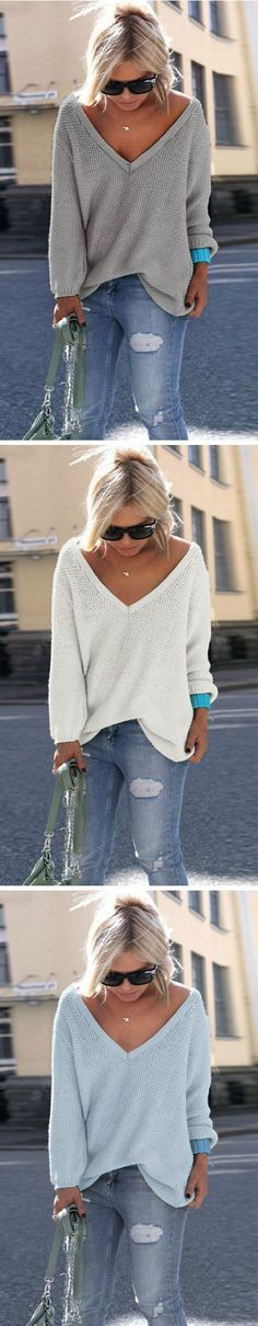 V neck sweater is the perfect choice for daily casual. This one is well-designed in comfortable fabric. Buy it at OASAP.com!