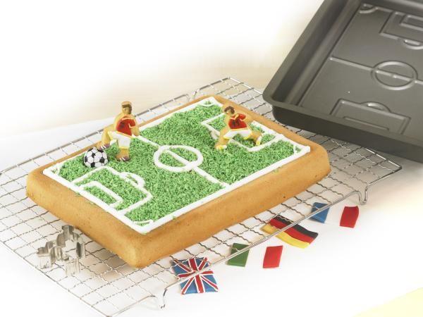 Baking Pan: Football Pitch - Kitchenique