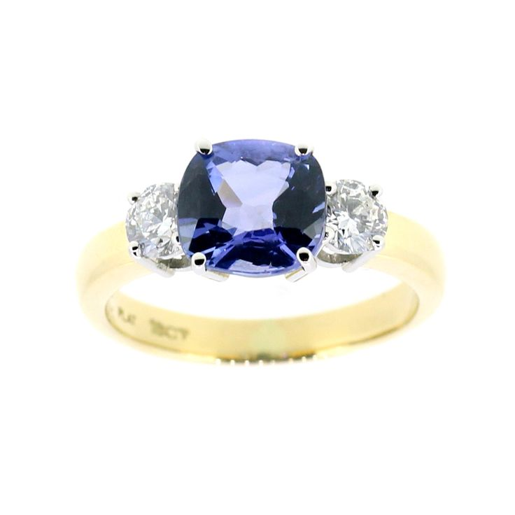 Stunning sapphire and diamond ring, hand made on site at Clayfield Jewellery in Nundah Village, North Brisbane