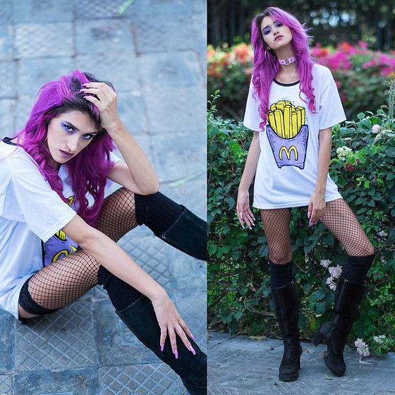 Get this look: http://lb.nu/look/8675385  More looks by Andrea Chavez: http://lb.nu/delilacblog  Items in this look:  Bittersweet French Fries Tee, Sandia Pink Choker   #artistic #grunge #street #softgrunge #cholastyle #graphictee #hologram #peruvianblogger #peruvian