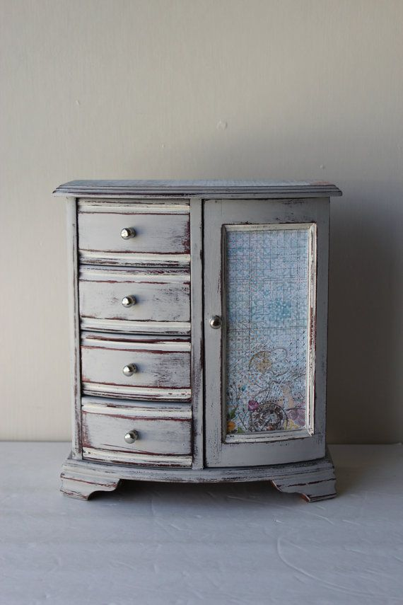 Distressed jewelry box. I have an old one I could paint.