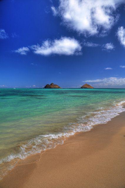 Looks romantic to us! Let's get away to Lanikai Beach on Oahu, Hawaii by nikonkell Kelly Wade~~