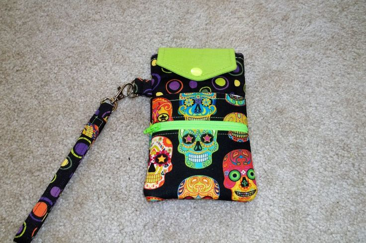 This is my variation of the Cell Phone Wristlet by Little Stitchers