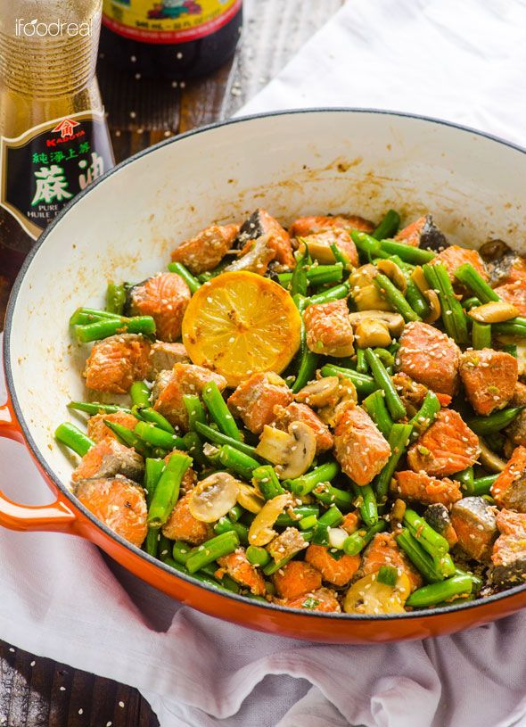 Asian Salmon and Green Beans Stir Fry -- Healthy 20 minute skillet the whole family will love plus high in protein and low in carbs.