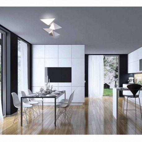 Plafón de techo (posibilidad de colocarlo también como aplique) hecho en aluminio con cuatro diseños en forma de triángulo formando una figura de bello diseño. Incorpora iluminación LED cálida que podrás regular en intensidad de forma sencilla mediante un regulador. CRI95 para una gran calidad de luz (representación fiel de los colores).
