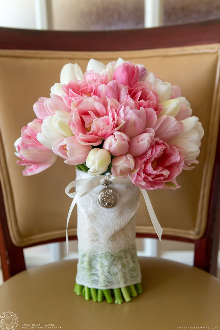 Tulip bouquet by Cool Green and Shady. Oakville wedding photographer #sweetheartempirephotography