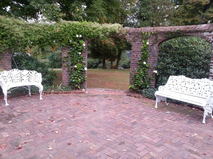 keeler tavern in ridgefield ct great outdoor garden space for spring or summer wedding