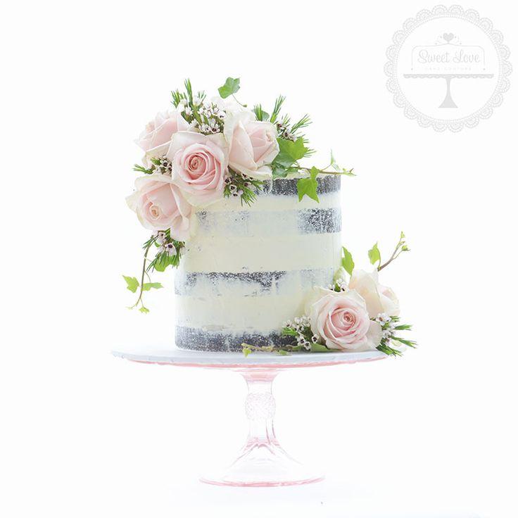 Best 20 Cake with flowers ideas on Pinterest Berry wedding cake