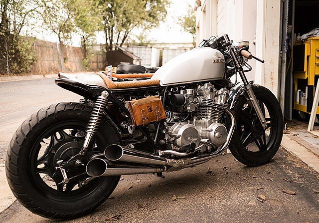 Honda CB750                                                                                                                                                                                 Más