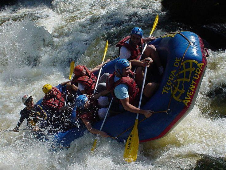 Rafting no rio Jacaré Pepira, município de Brotas, estado de São Paulo, Brasil. – Wikipédia, a enciclopédia livre