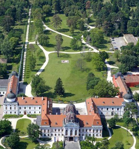 Das Sissi-Schloss in Gödöllő - heute Museum, Veranstaltungsort, Theater- und Konzertbühne. Im ersten Halbjahr 2011 Austragungsort der ungarischen EU-Ratspräsidentschaft.