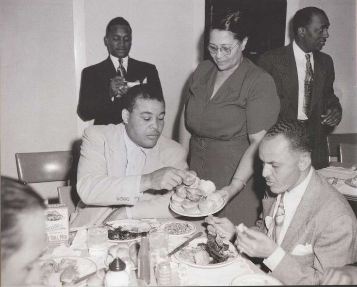 There Are So Many Memories We Make During The Tradition Of Sunday Dinner Today Celebrating African American Images Adore