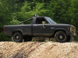 1985 Ford Ranger XLT 4X4 by TheStig http://www.truckbuilds.net/1985-ford-ranger-xlt-4x4-build-by-thestig