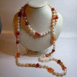 Langes Süßwasser Perlen Collier mit Karneol Edelsteinen