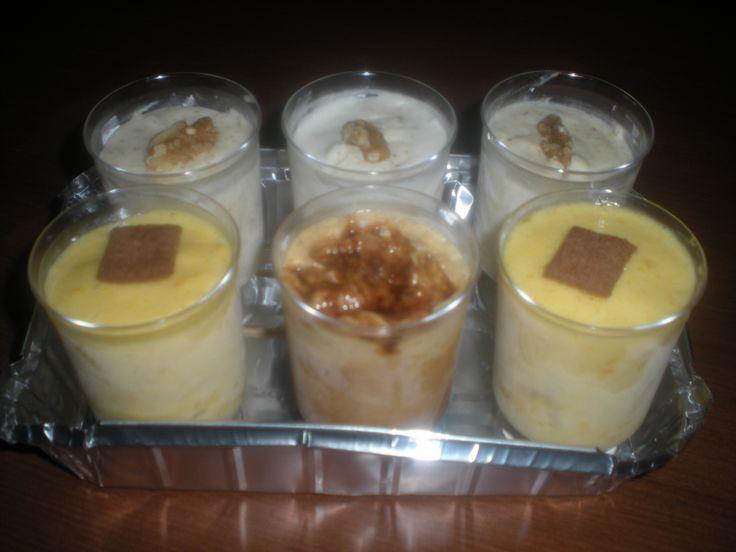 3 helados artesanos de nata con nueces, dos de mango y uno de dulce de leche!
