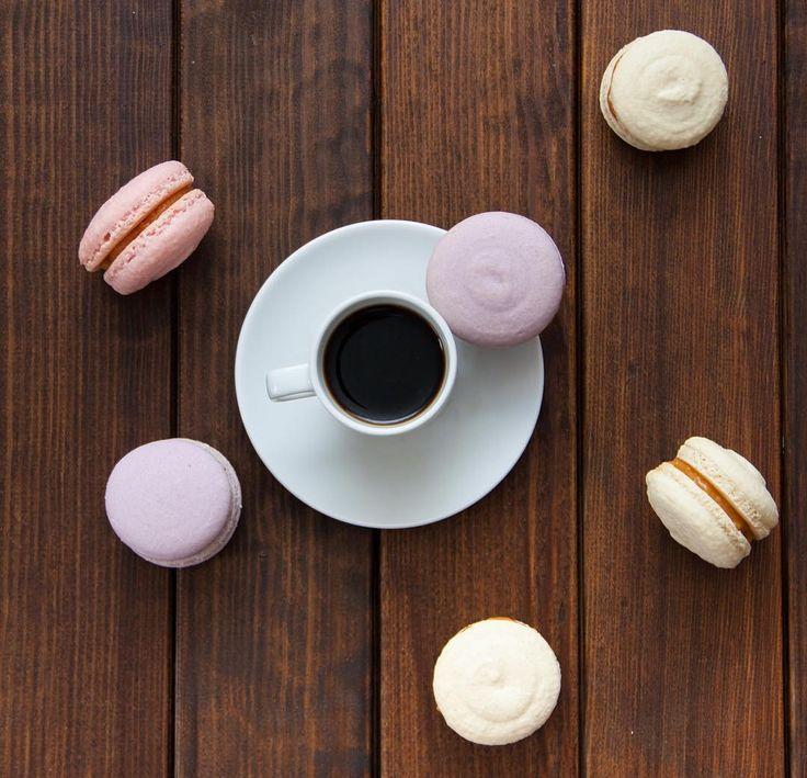 Někdy chuť vypadá tak.  Ещё вкус бывает таким.  #macaron #macarons #makronky #makronka #macaronstagram #glutenfree #frenchmacarons #handmade #karamel #instabaking #happybirthday #narozeniny #makaronspodebrady #bezlepkový #pečení #cukroví #sweetcakes #czech #czechrepublic #podebrady #praha #nymburk #kolin #like4like #jidlo #food #homemade