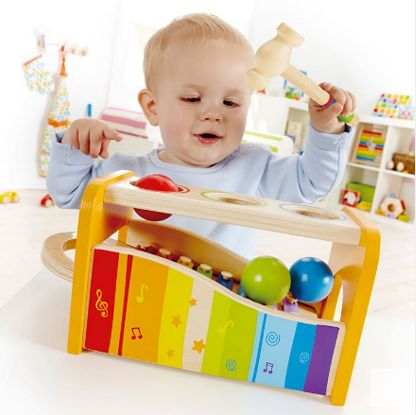 Os brinquedos educativos ajudam no crescimento e desenvolvimento da criança.    Este tipo de brinquedo leva à rotina das crianças brincadeiras com mais qualidade, sendo possível explorar e potencializar habilidades específicas, como conteúdos escolares, o aprendizado do alfabeto, da matemática e da leitura ou simplesmente brinquedos que estimulem a concentração e a expressão, como jogos, bonecas, carrinhos e blocos de montar.    Marca: Hape  Loja : @coelhonalua    Para comprar é só clicar…