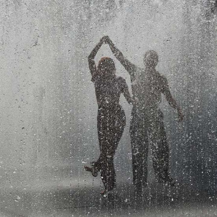 Photography Inspiration: The Romance of Rain / See more inspiration on The LANE (instagram @the_lane)