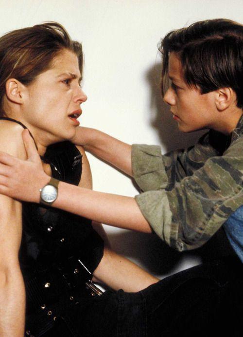 pictures of linda hamilton in terminator 2 | Linda Hamilton & Edward Furlong in Terminator 2
