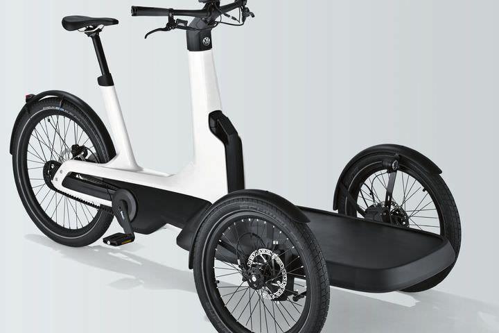 フォルクスワーゲンの3輪電動アシスト自転車cargo E Bike 2019年登場 荷台を傾けずにカーブを曲がれる えん乗り 電動アシスト 自転車 自転車 フォルクスワーゲン