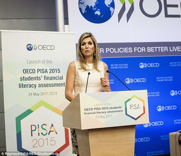 ♥•✿•QueenMaxima•✿•♥...Maxima gave a short speech at the event in capacity with her role as Honorary Patron of G2...