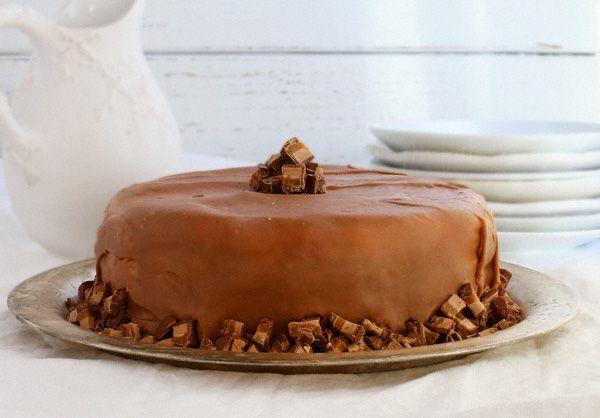 White Chocolate Cheesecake and Chocolate Milky Way Cake