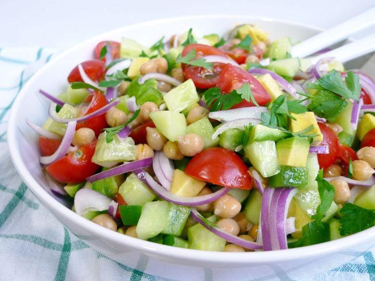 Frisse salade met kikkererwten