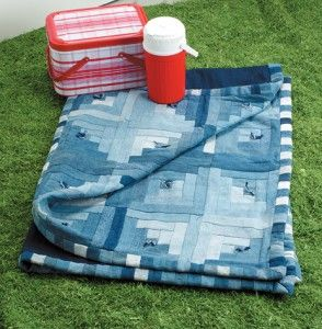 Give old jeans a second life as a quilt.Denim Jeans, Blue Jeans, Log Cabins, Denim Quilts, Jeans Quilt, Logs Cabin, Cabin Quilt, Quilt Pattern, Old Jeans